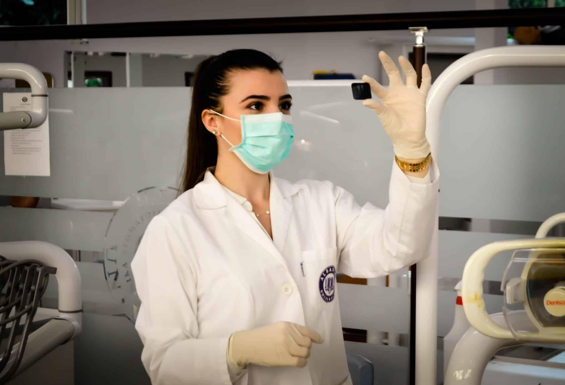 Медсестра Corona Virus